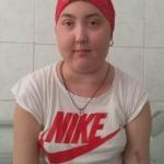 Un simplu SMS poate salva viața unei adolescente diagnosticată cu cancer osos