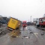 Accident pe DN 7, la Bătuța. Un bărbat a murit, iar un șofer este rănit grav