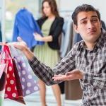 Iata de ce femeile sunt la mall, in timp ce barbatii negociaza in salile de afaceri – Secretul dinamicii sanatoase dintre sexe