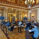 Măşti şi mănuşi de protecţie în şedinţa Consiliului Local Municipal Arad