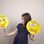 Inteligenta emotionala – Cum sa-ti incurajezi copiii sa-si inteleaga si sa-si accepte fascinantul univers emotional?