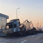 Un TIR încărcat cu textile a luat foc în Vama Arad