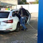 Spălătorie auto din Arad, amendată. Folosea neautorizat un biocid pentru dezinfectare