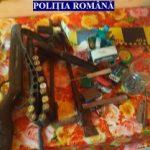 Arme și muniții descoperite la Chisindia. Doi bărbați au fost reținuți