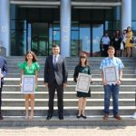 """Elevii cu media 10 la Evaluarea Naţională au primit diploma """"Arădeni cu care ne mândrim"""""""