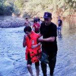 Copil salvat de pompieri din mijlocul Crișului Alb