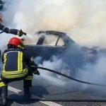 Un autoturism a luat foc în timpul mersului, la Pecica