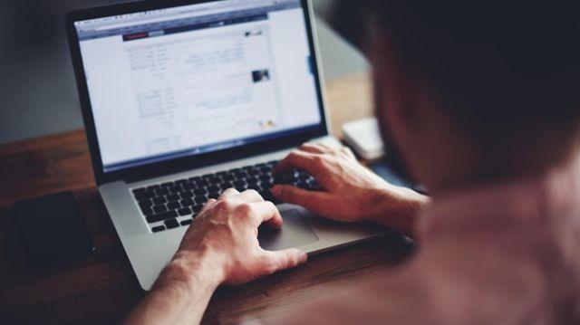 Află 3 metode eficiente prin care poți evita supraîncărcarea memoriei laptopului tău!