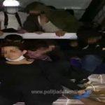 48 de migranți, găsiți ascunși într-un camion la PTF Nădlac II