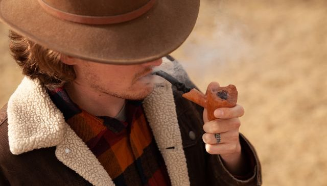 Figuri celebre din istorie care fumeaza pipe