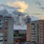UPDATE Mai multe garaje din cartierul Aurel Vlaicu au luat foc