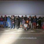 25 de migranți din Siria şi Palestina, găsiți într-un autotren la Nădlac