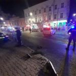 Tânăr cu permisul suspendat şi băut la volan, reţinut după ce a provocat un accident în Arad