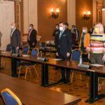 Achiziţia a peste 20.000 de tablete şi laptopuri pentru şcoli, aprobată în CLM Arad