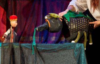 """""""Zâna lacului"""" – poveste pentru cei mici, pe scena Trupei Marionete"""