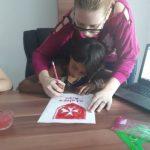 Donații pentru educație prin artă pentru copiii din strada Mărului din Arad