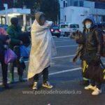 42 de migranți, ascunşi în 8 automarfare, depistați de poliţiştii de frontieră arădeni