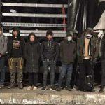 Migranţi din Siria, găsiţi printre anvelope în remorca unui TIR, la PTF Vărşand