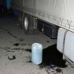 Trei persoane au furat motorină și au distrus rezervoarele a trei autocamioane, la Pecica