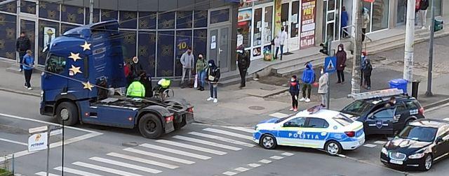 Accidente în zona Fortuna. Un bărbat cu handicap și un jandarm au fost răniți