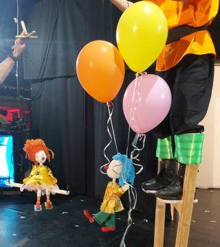 """Premiera spectacolului """"Cutia mecanică 7.0"""" se joacă în sală, la """"Marionete"""""""