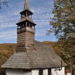 """Bisericile din lemn din județul Arad, incluse în circuitul național """"Turismul de o zi"""""""