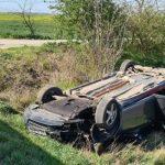 Accident pe DN 79, la Zimandu Nou. Două persoane au fost transportate la spital