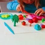 Idei de activităţi de stat în casă pentru copii