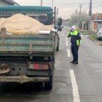 Polițiștii locali din Arad au surprins o camionetă care transporta ilegal moloz