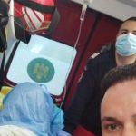 """Trei paramedici din Sebiș, """"moașe"""" pentru un copil născut în ambulanță"""