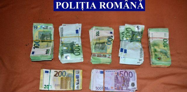 80.000 de euro recuperați de la un arădean care a furat 100.000 de euro dintr-o locuință