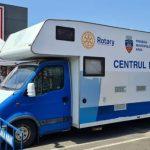 Caravana mobilă de vaccinare anti-COVID-19, în parcarea de pe strada Banu Mărăcine
