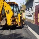 Continuă asfaltarea străzilor de pământ din municipiul Arad
