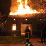 Incendiu la o casă din Nădlac. Focul a fost stins după 3 ore