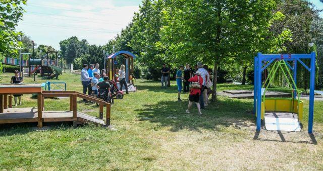 Locuri de joacă pentru copiii cu dizabilități, în patru parcuri din municipiul Arad