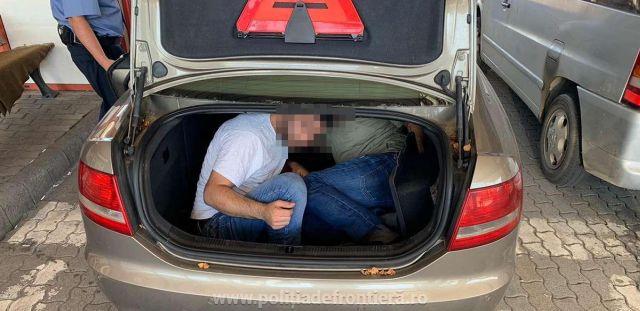 14 migranți ascunşi în autovehicule, depistați de polițiștii de frontieră arădeni