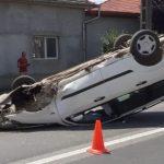 Autoturism răsturnat la Pecica. O femeie a fost dusă la spital