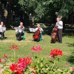 """Concert în aer liber în Parcul """"Mihai Eminescu"""" din Arad"""