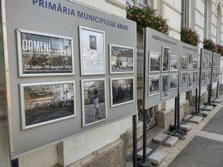 """""""Oameni"""". Expoziție de fotografie, pe platoul din fața Palatului Administrativ din Arad"""
