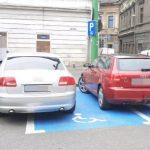Amenzi pentru șoferii care au parcat pe locurile pentru persoanele cu handicap, în Arad