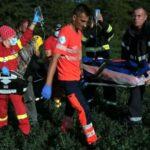 Bărbat transportat în stare gravă la spital. A fost prins de mecanismul unui utilaj agricol